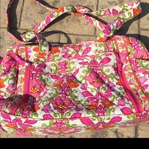 Vera Bradley cute and colorful diaper bag 💼